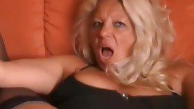 Gaped German mature latina squirts hard