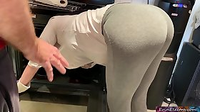 Stepmom is sizzling and stuck in the oven - Erin Electra