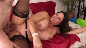 BBW grown up Laylani Wood spreads the brush legs to tool along a fat wang